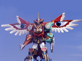 Isis Megazord standing in the sunlight