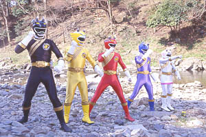 Black Ranger fights along side the other Rangers