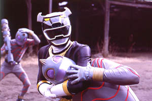 Black Ranger fighting the Putrids