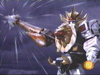 Wild Force Megazord (Spear Mode) uses the Giraffe Spear